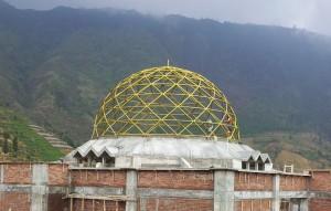 rangka,struktur,atap,kubah,masjid,pipa,truss,las,warna,emas,